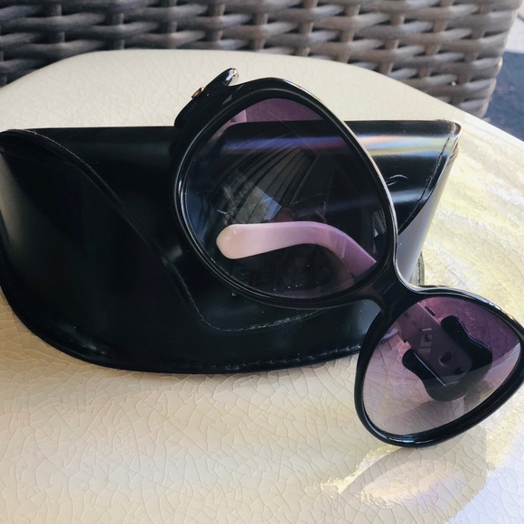 a2c3a4db96f8 Fendi Accessories | Black And White Buckle Sunglasses | Poshmark